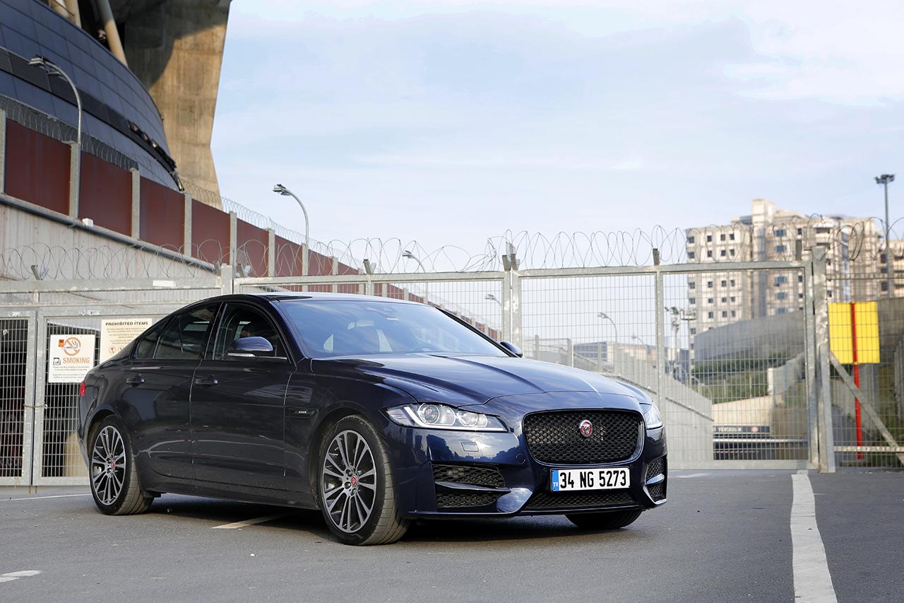 jaguar-xf-test-1